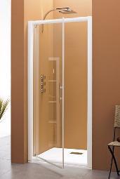 Petite cabine de douche simple porte volet